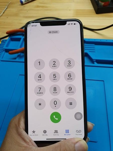 iphone x vo mat kinh