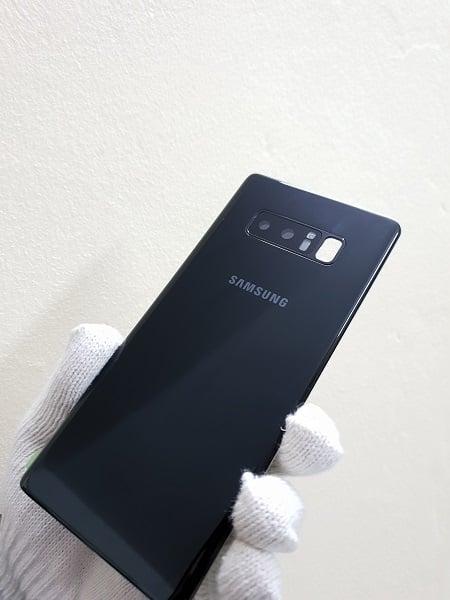 Thay kính lưng Samsung Note 8 bền đẹp