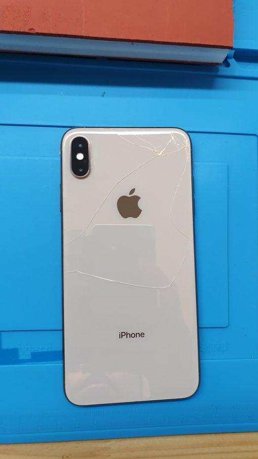 thay mặt kính sau iphone xs bị vỡ
