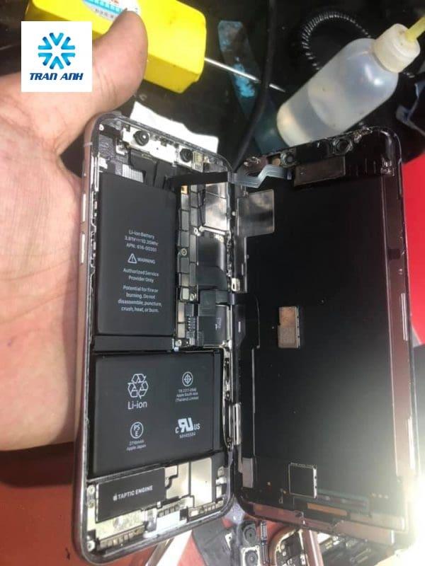thay pin iphone xịn xr ở hà nội
